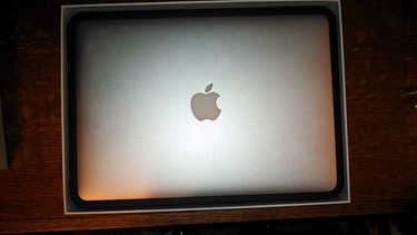 "Picture of Apple MacBook  i7 1.8GHz 13""-4GB RAM-256GB SSD"